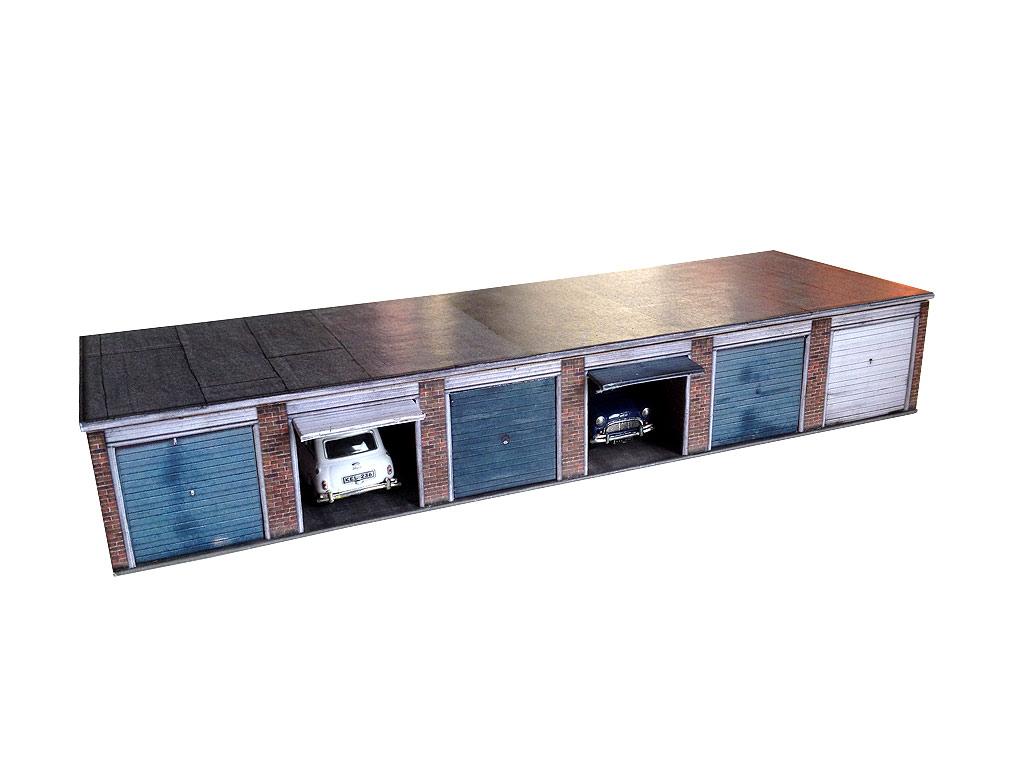 Lock up garages block of six oo 4mm 1 76 model for Garage block